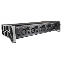 Tascam US-4x4 USB Audio Interfeiss