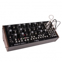 Moog Mother-32 Semi-Modular Analogais Sintezators