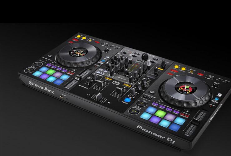 Jaunums: Pioneer DDJ-800 DJ kontrolieris