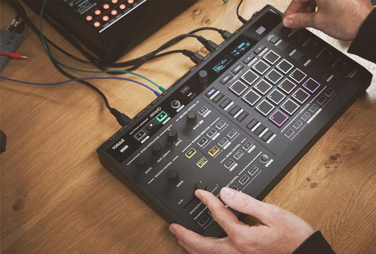 Jaunums: Pioneer Toraiz SQUID daudzkanālu sekvencers