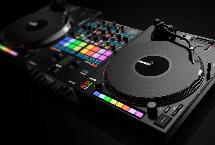 Jaunums: Reloop Elite DJ mikšerpults un RP-8000 MK2 atskaņotājs